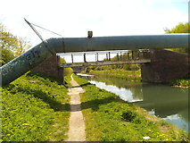 SO9494 : Canal Footbridge by Gordon Griffiths
