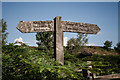 NU0503 : Signpost on Footpath North of Rothbury by Kim Fyson