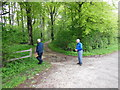SE9464 : Waiting for the first walkers at Limekiln Hill by Ian S