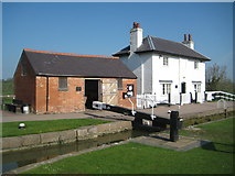 SP6989 : Grand Union Canal: Leicester Section: Foxton Lock Keeper's Cottage by Nigel Cox