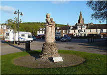 NX6851 : A memorial in Kirkcudbright town centre by Walter Baxter