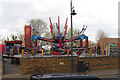 SP9211 : Erecting Fairground Rides for Tring Carnival by Chris Reynolds