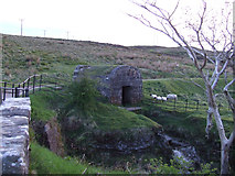 NS2674 : Sluice hut on Greenock Cut by Thomas Nugent