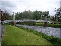 NT2540 : Footbridge over the River Tweed in Peebles by Stanley Howe