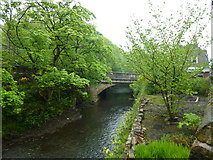 SD9726 : Bridge carrying the A646 over the River Calder at Calderside by SMJ
