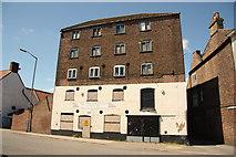 TF3243 : Silt Side Warehouse by Richard Croft
