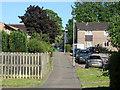 SU8666 : Hanworth, bracknell by Alan Hunt