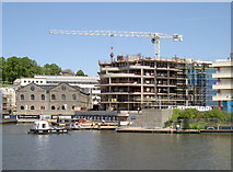 ST5772 : Yet more new apartments by Neil Owen