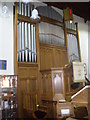 NJ8400 : St Peter's church organ and pulpit by Stanley Howe