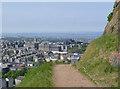 NT2673 : Edinburgh from the Radical Road by Alan Murray-Rust