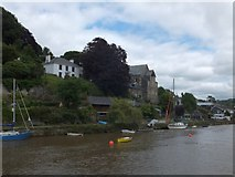 SX4368 : Former chapel and other houses in Calstock by David Smith