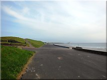 NZ3573 : The Promenade, Whitley Bay, looking towards the north by Bill Henderson