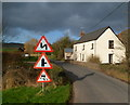 SO4420 : Three triangular signs, Norton by Jaggery