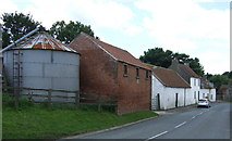 TA0979 : Farm buildings on King Hill by JThomas