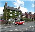 SO0661 : Ivy-clad house, Llandrindod Wells by Jaggery
