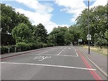TQ3386 : Rectory Road by Mat Tuck