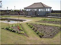 ST3049 : Edible garden by Neil Owen