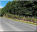 SO1069 : Roadside bank strengthening north of  Llanddewi Ystradenni, Powys by Jaggery