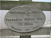 TA0225 : The Yorkshire Wold Way at Hessle foreshore by Ian S