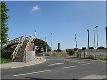 SE5023 : Level crossing on Womersley Road, Knottingley by John Slater