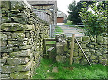 SE0813 : Stile on Colne Valley Circular Walk at Heywoods Farm by Humphrey Bolton