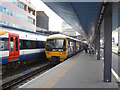 SU7173 : Reading Station by Dr Neil Clifton