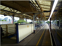 TQ2575 : Platform 2 at Wandsworth Town station by Shazz