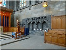 NS4863 : Paisley Abbey: the sedilia and piscina by Lairich Rig