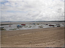 SD4464 : Beach and Boats by Peter Bond