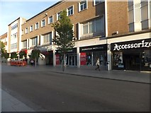 SX9292 : The east side of Exeter High Street by David Smith