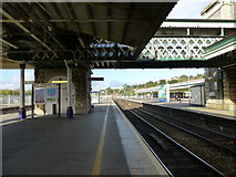 SX9193 : St David's Station at Exeter view to north by Raymond Knapman