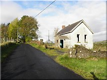 H5583 : Aghnamerrigan Old National School by Kenneth  Allen