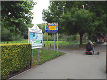 SP2865 : Coventry Road entrance to Priory Park, Warwick by Robin Stott