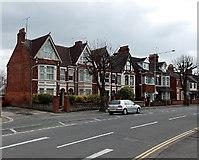 SU1585 : County Road houses, Swindon by Jaggery