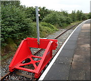 SP1955 : Red buffer stop detail, Stratford-upon-Avon railway station by Jaggery