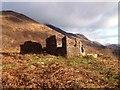 NN0960 : Ruined building near Callert by Steven Brown