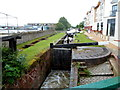 SP1955 : Narrowboat in a lock on the Stratford-upon-Avon Canal by Jaggery