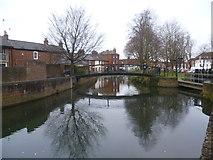 TR1458 : Footbridge over the Great Stour near Pound Lane by Marathon