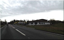 TL2460 : A428 Cambridge Road & the former Ponda Rosa steakhouse by Adrian Cable