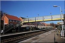 SJ3595 : Footbridge, Walton railway station by El Pollock