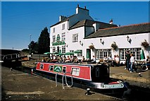 SK5815 : Pub & Canal by Des Blenkinsopp