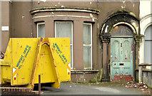 J3272 : Nos 72-78 Wellington Park, Belfast - 2014 (3) by Albert Bridge