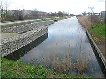 TQ6674 : The Thames & Medway Canal near Mark Lane by Marathon