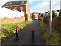 ST2689 : No 4-wheel vehicular access here to Pontymason Rise, Rogerstone, Newport by Jaggery