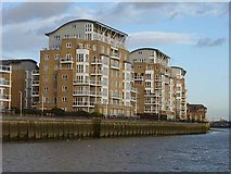 TQ3778 : Waterside apartments, Isle of Dogs by Oliver Dixon
