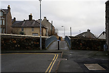SH4862 : Footbridge over the A487, Caernarfon by Ian S