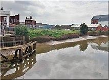 TA1029 : North Bridge, Kingston upon Hull by Bernard Sharp