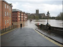 SO8454 : Flooding on South Parade, Worcester by Philip Halling