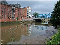 TA1029 : River Hull, Kingston upon Hull by Bernard Sharp