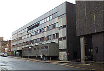 NS5666 : Glasgow University CVR building by Thomas Nugent
